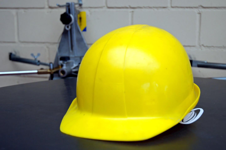 Arbeit | Schutzhelm | Bauarbeiter (c) Paul-Georg Meister / pixelio.de