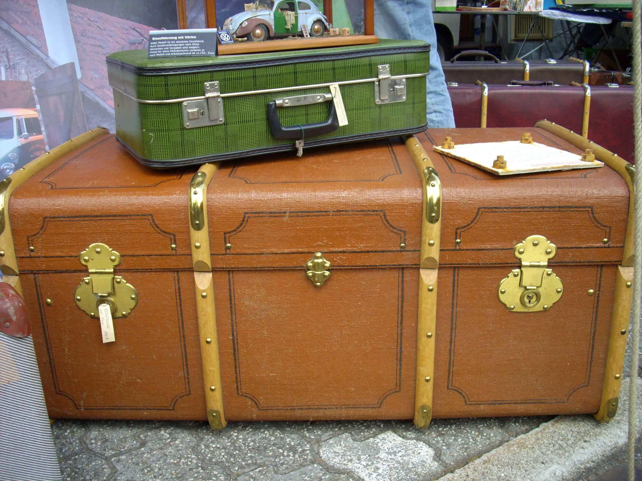 Urlaub   Koffer packen (c) Rike / pixelio.de