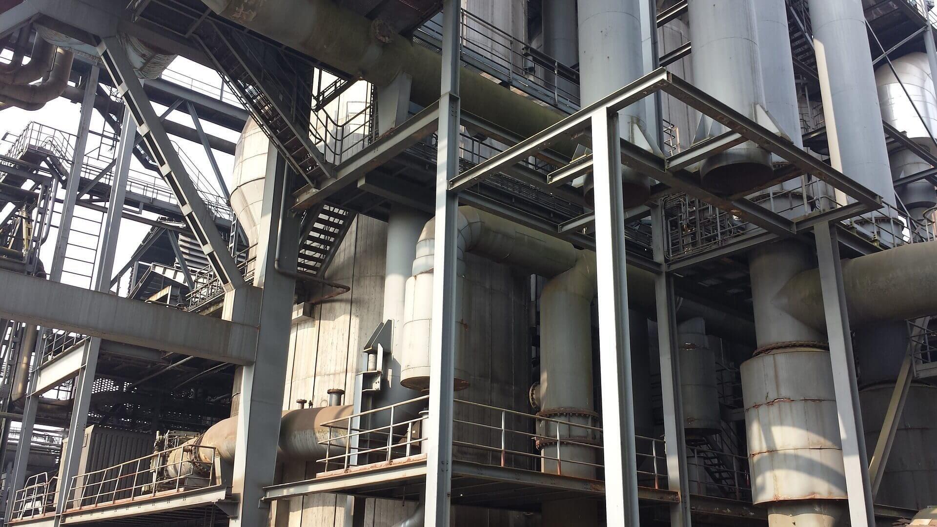Arbeiten in der Industrie (c) marwed / pixabay.de
