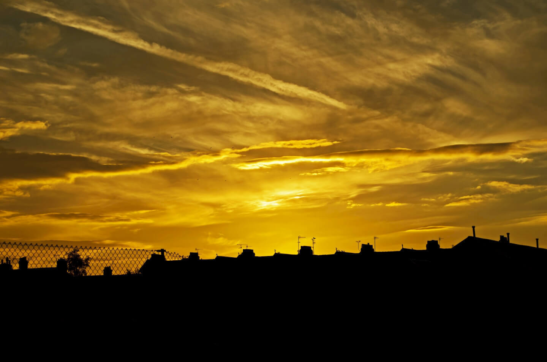 Sonnenuntergang Großstadt (c) PublicDomainPictures pixabay.de