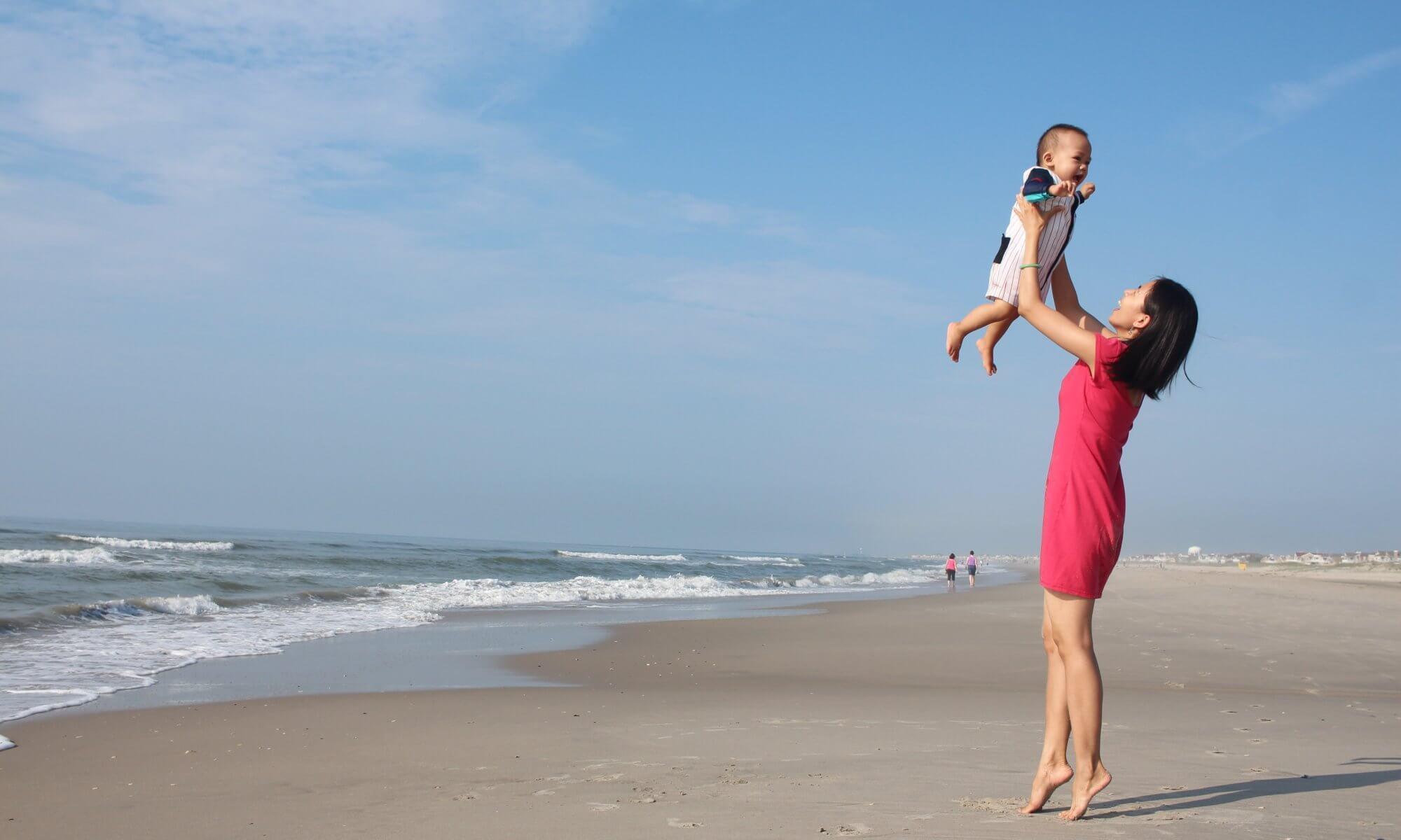 Mutter mit Kind in der Elternzeit (c) tung256 / pixabay.de