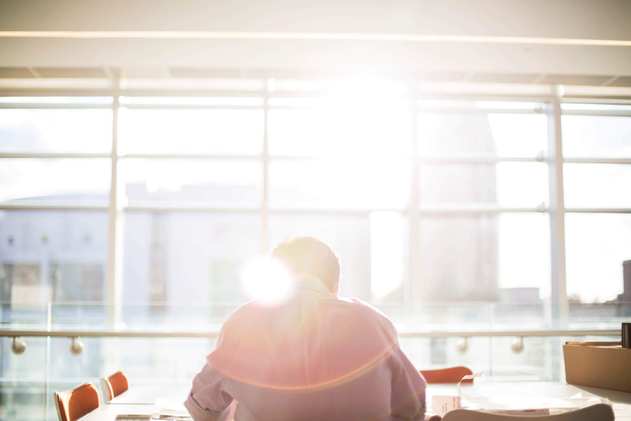 Hitze im Büro (c) Bethany Legg / unsplash.com