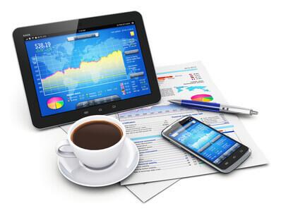 Computer | Büro Laptop, Statistik und Kaffee - Fotolia_49945614_XS © Scanrail - Fotolia.com