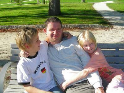 Immer mehr Väter betreuen kranke Kinder